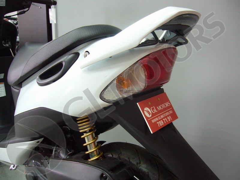 Мухобойка - защита капота авто Тойота Королла
